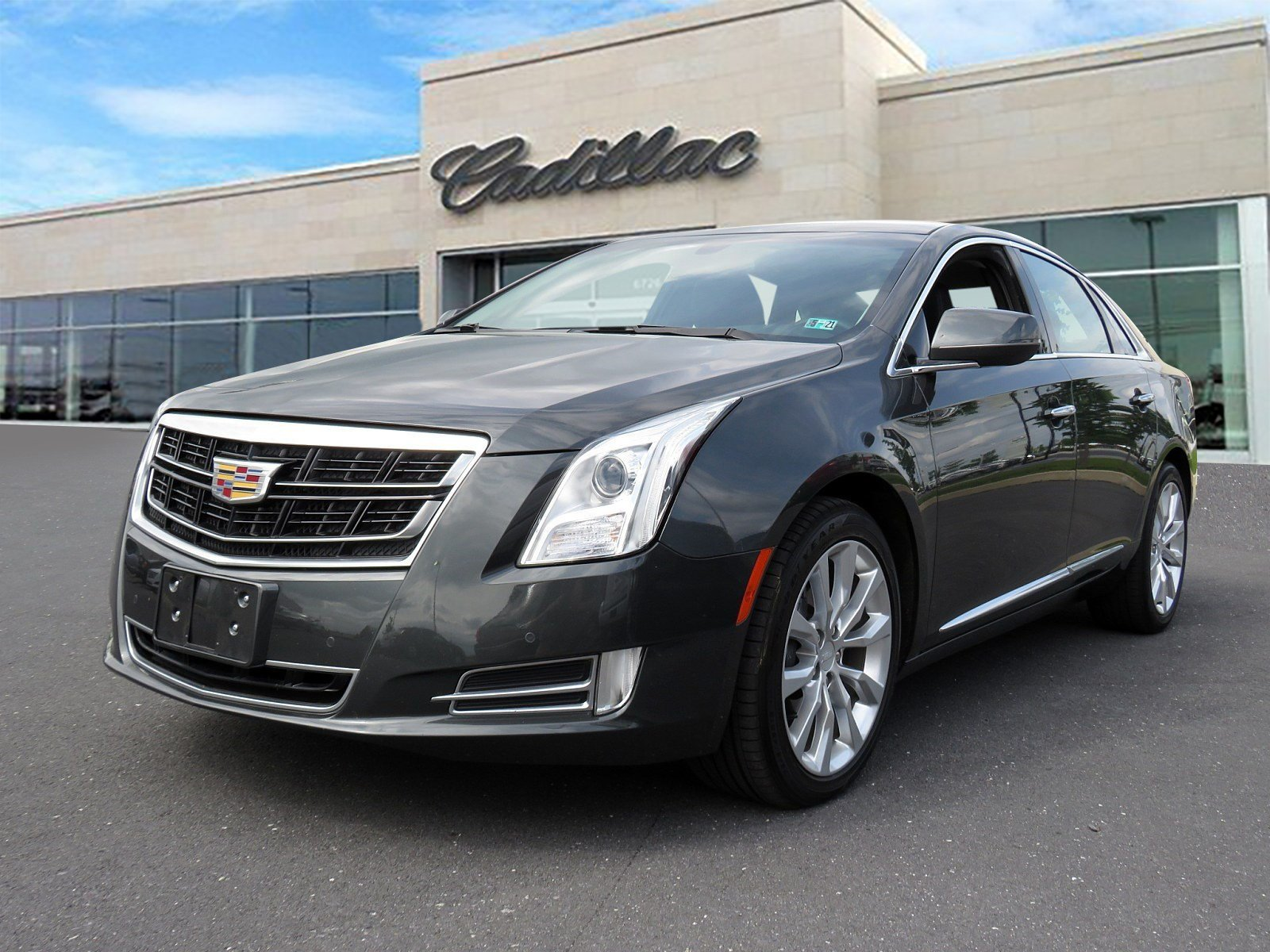 Pre-Owned 2017 Cadillac XTS Luxury