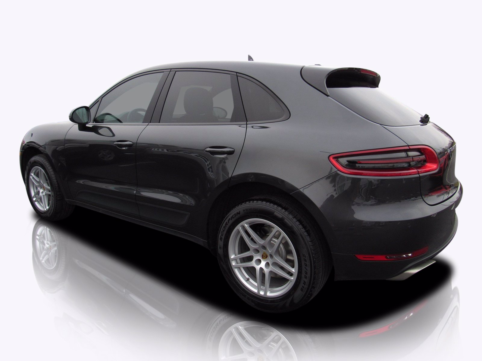 Pre-Owned 2017 Porsche Macan Premium Package Plus